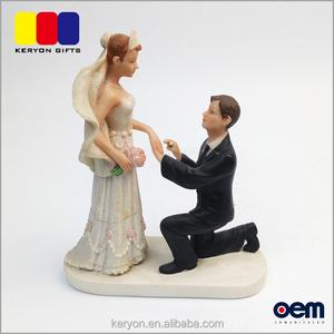 Wholesale Bride And Groom Figurines Cheap Beautiful Wedding Favors Resin  Figurine