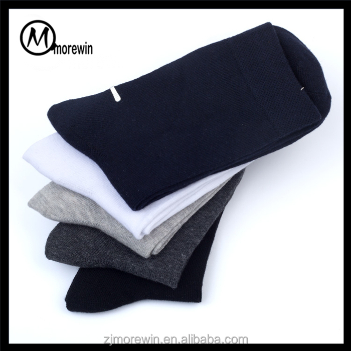 Morewin custom solid color men' crew sock Amazon hot sell breathable bamboo fiber middle calf sock make your own socks