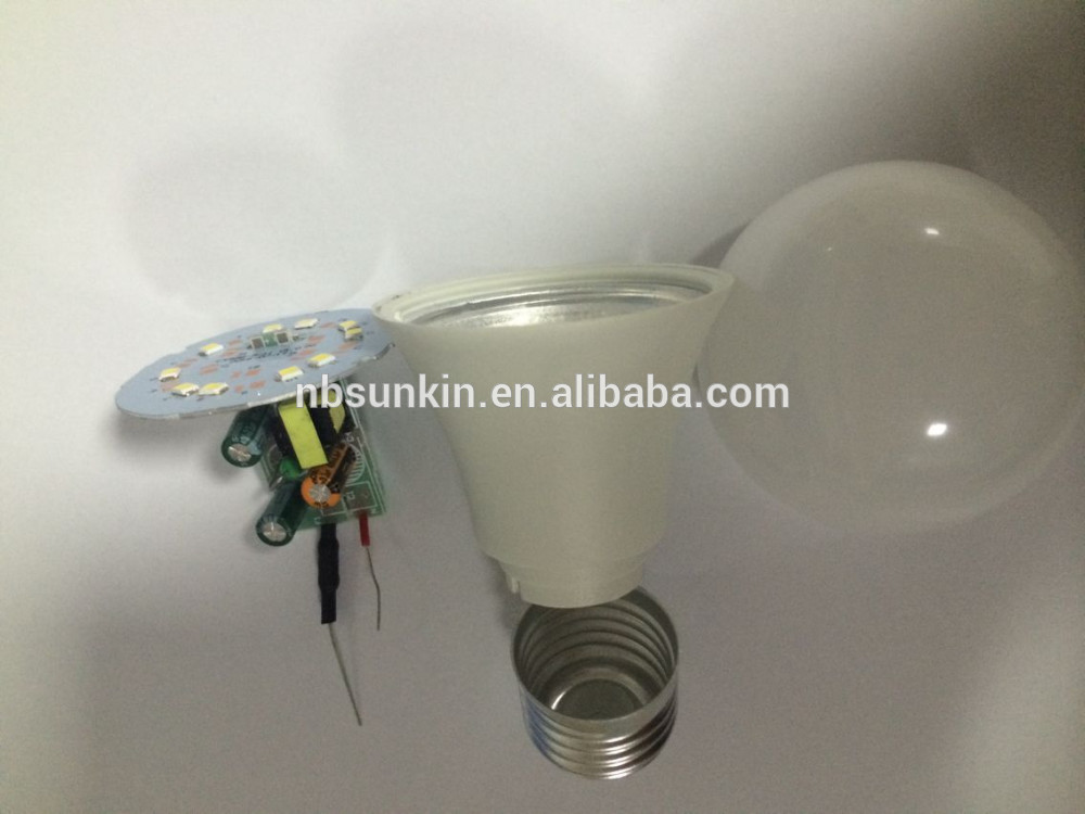 Factory price 9W high quality E27 lamp head super bright LED bulb