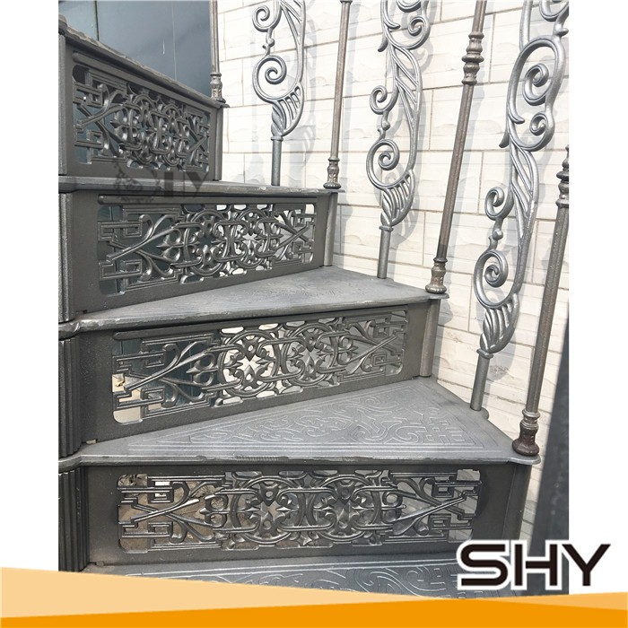 Ordinaire Vintage Antique Cast Iron Spiral Staircase With Treads And Balustrades    Buy Cast Iron Spiral Staircase,Outdoor Cast Iron Spiral Staircase,Modern  Cast Iron ...