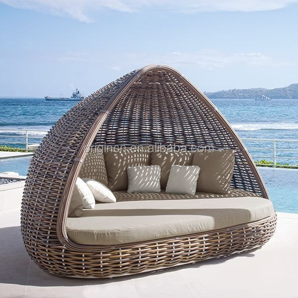 Home Patio Beach Thick Rattan Material Pyamidal Cocoon