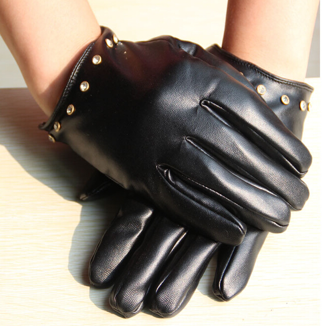 Rockstud imitation leather high fashion cheap gloves for women