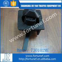 Truck trailer container lashing twist lock