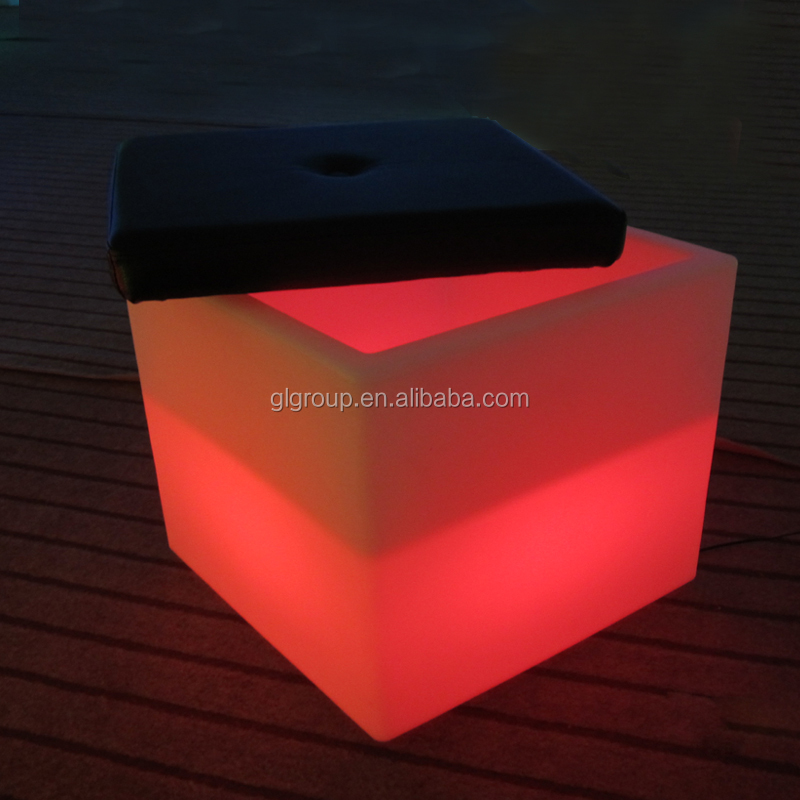 Led glowing furniture RGBW color changing plastic Led cube seating with cushion