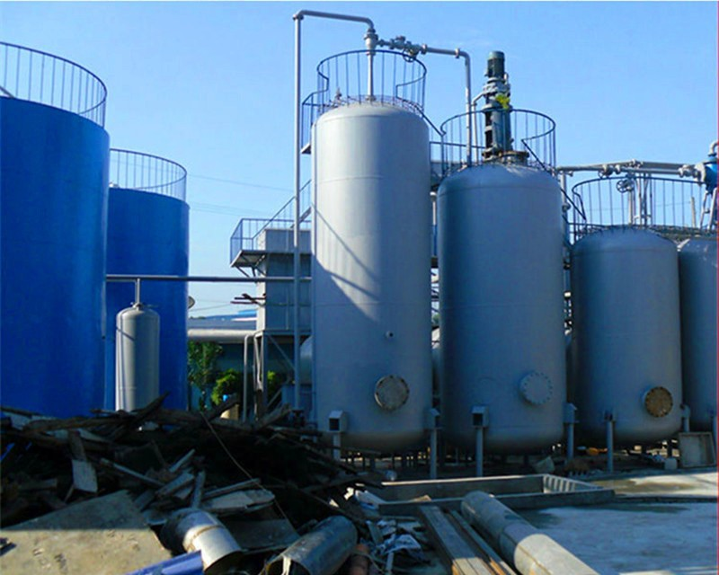 Hot sale 6tons small vacuum distillation used oil recycling pyrolysis oil distillation plant waste oil distillation