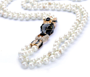 New Double Layer Glass Horse Head Charm Pearl Necklace For Women