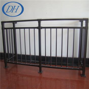 Pressembled Schmiedeeisen Verzinktem Stahlrohr Balkon Oder Terrasse