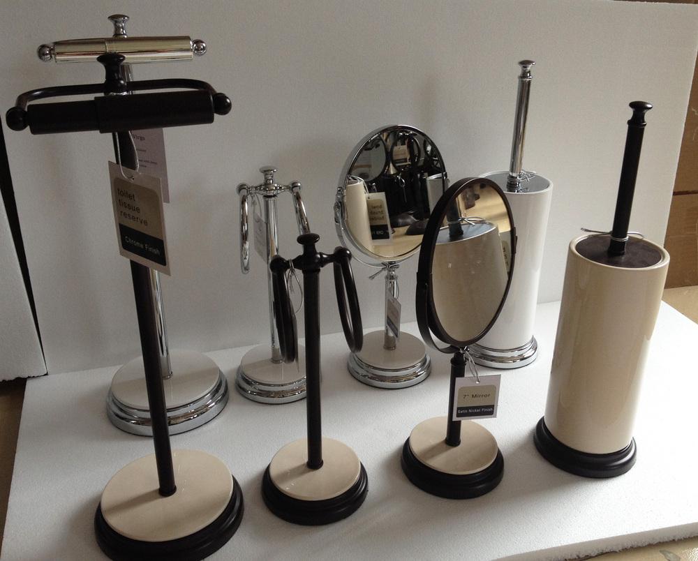 Decorative White Ceramic Free Standing Bath Hardware 4-pc Set ...