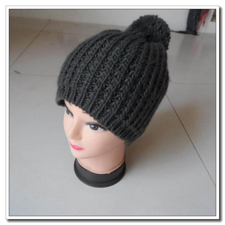100% Acrylic Free Pattern sport Custom Winter Crochet Knitted Hats With Pom Pom