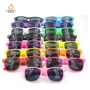 2018 classical fashionable sun glasses for christmas promotion cheapest sunglasses factory
