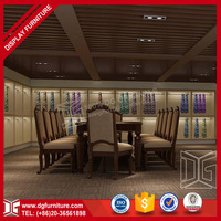 Customized Furniture Used For Clothing Stores With Small Wooden Showcase