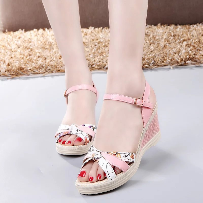2017 the New Summer Printing Slope and Sandals Korean Version of Metal Belt Buckle Beach Women's Sandal