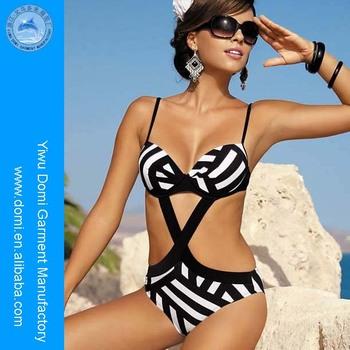 Elegante Ferretto Monokini Costume Da Bagno Foto Di Donne Nude ...