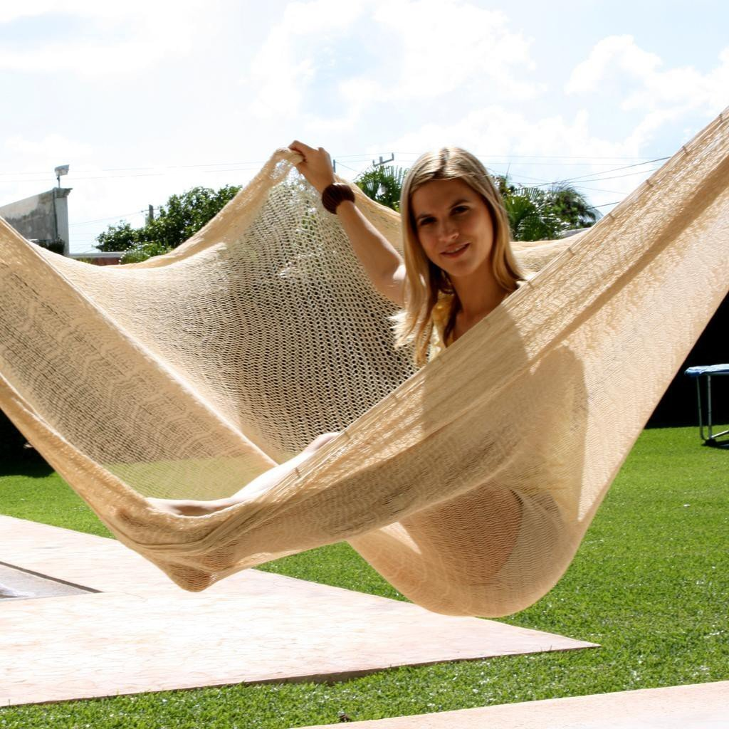 Sunnydaze Portable Mayan Hammock Hand-Woven, Jumbo Size, 770 Pound Capacity, Natural