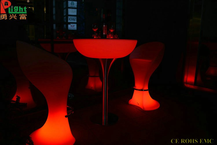 Wholesale hot sales plastic hookah lounge furniture color changing RGB led light up bar table