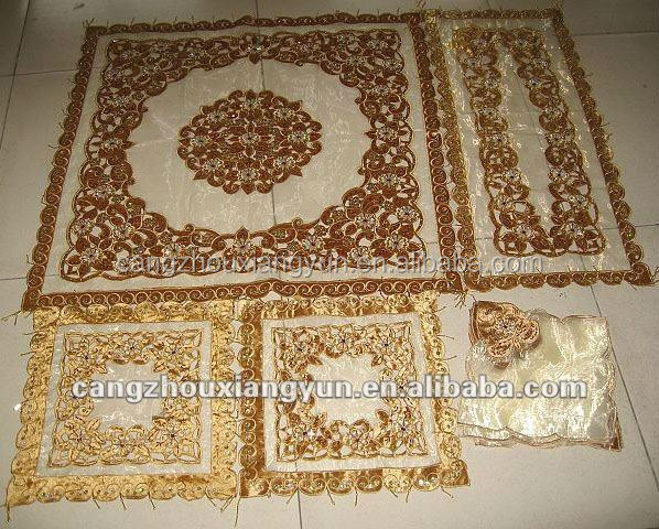 Hot design wholesale elegant golden sequin beaded embroidered tablecloths