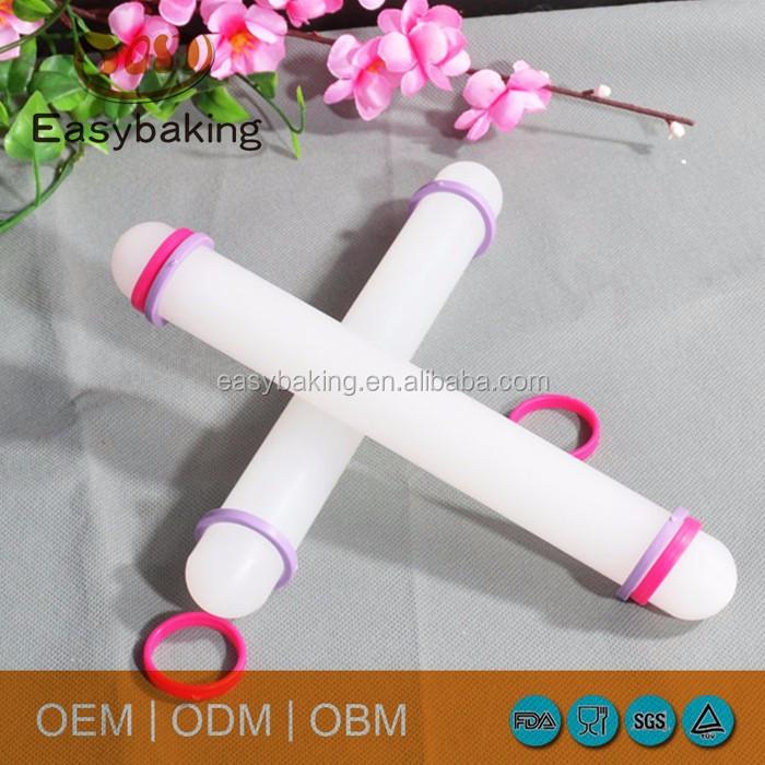 plastic rolling pin 3.jpg