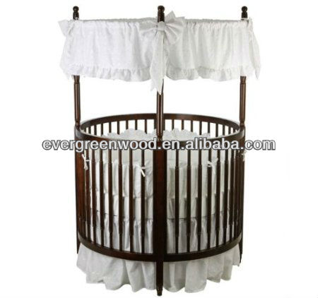 baby circular crib/pinewood/1150 x 1150 x 1770 mm