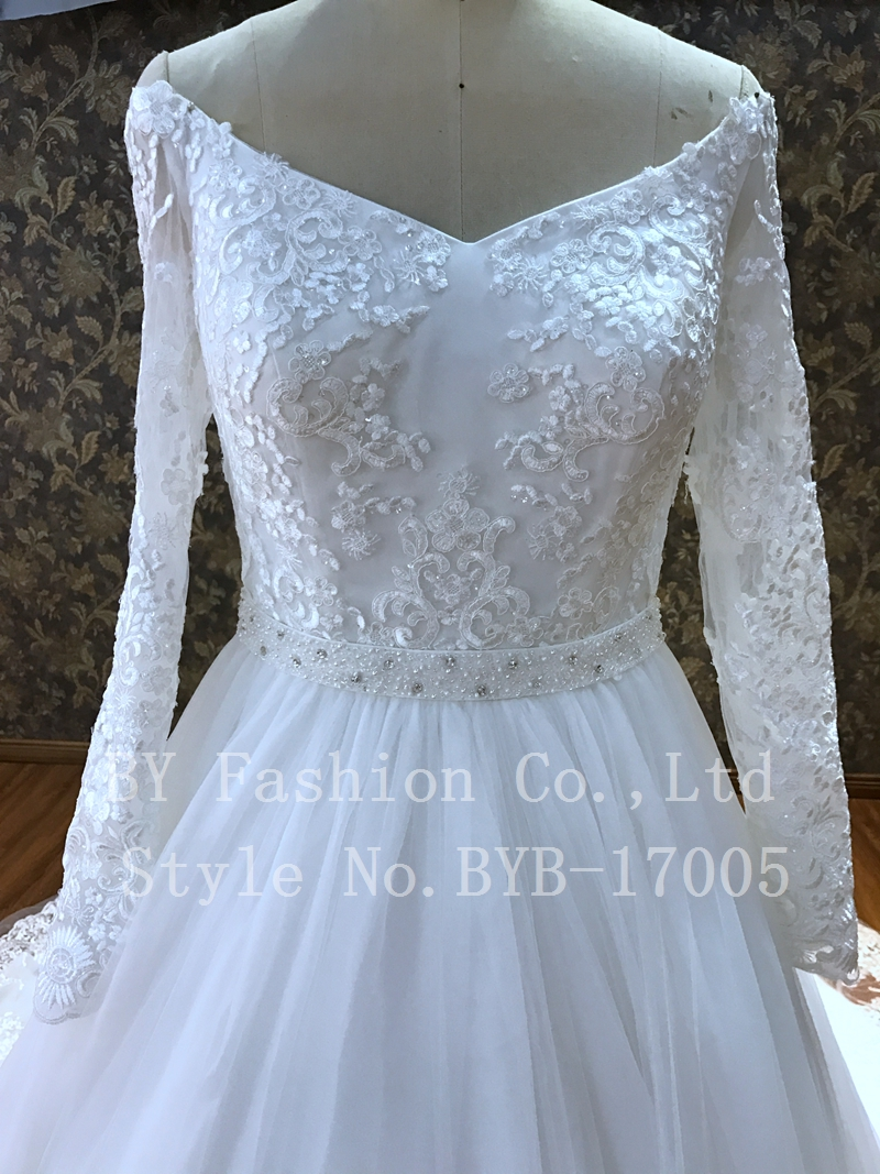 2017 wedding dress long sleeve Sexy v-neck The upper body is ...