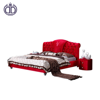 Luxury royal style antique solid wooden velvet wedding beds king queen size red button tufted fabric Italy double bed