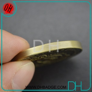 Promotional flat edge Royal Arch Coins Souvenir Coin Crafts with Wooden Coin Box