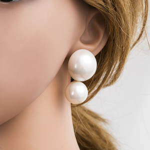 New style cute half circle shaped pearl stud earrings for girls