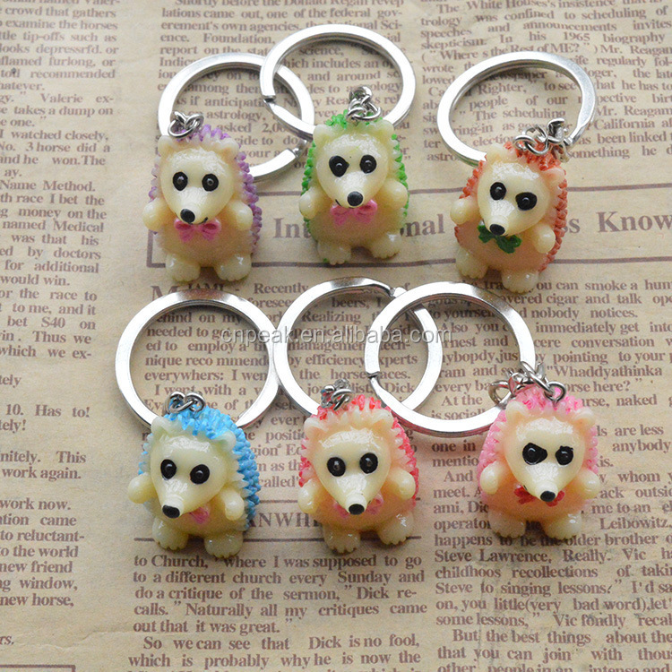 Hot - selling colorful cartoon 3D resin material hedgehog key chain