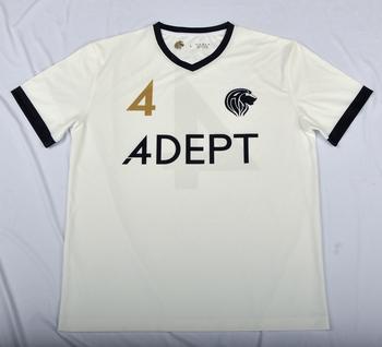 ff0eb5db835f6 o futebol feito sob encomenda do jérsei do ajuste seco veste camisas do  futebol da fábrica