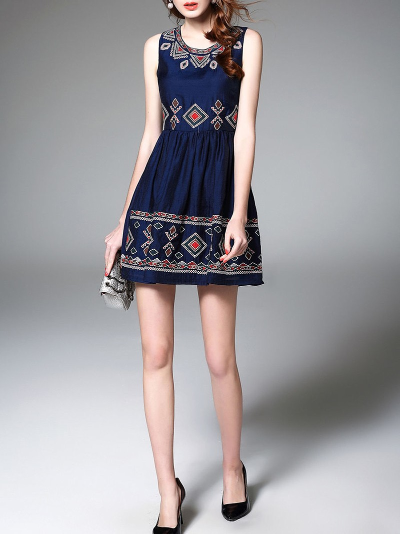 Custom Designs Lady Cotton Embroidered Sleeveless Dress