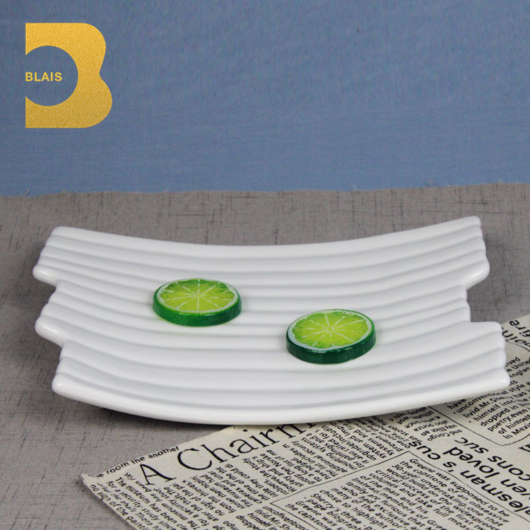 Cheap AB grade Porcelain ribs design ceramic plates in guangzhou