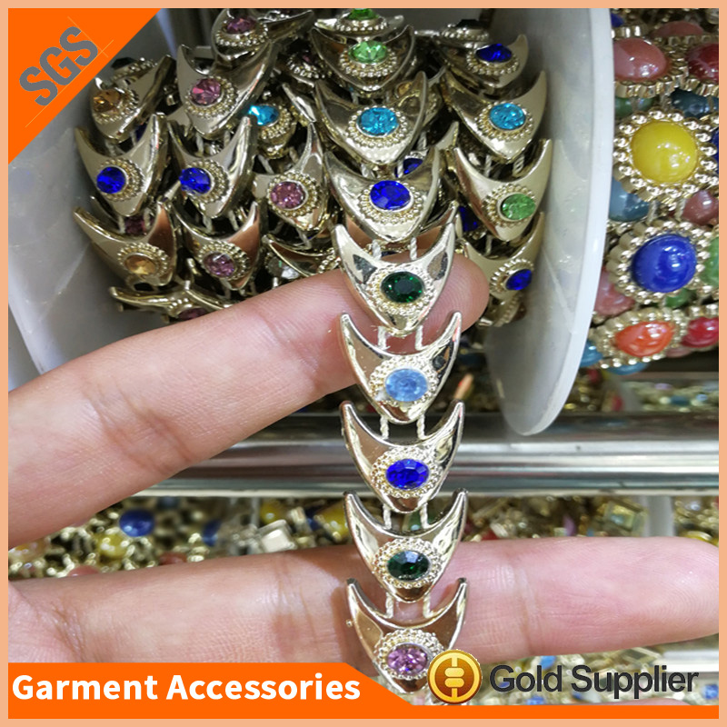 Leed Free plastic rhinestone trimming gold sew on banding for dress