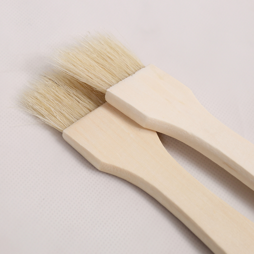Wooden chubby paint brush