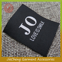reasonable price custom brand name girl's fashion clothing labels and tags garment label printing printed