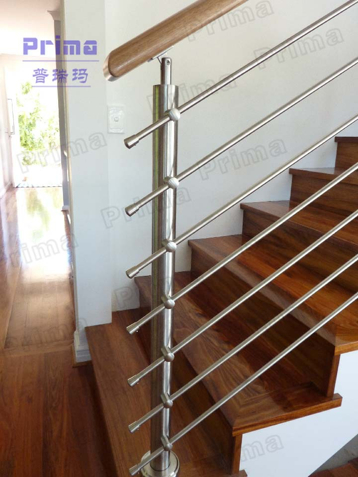 Modern Stainless Steel Rod Railing Design For Staircase
