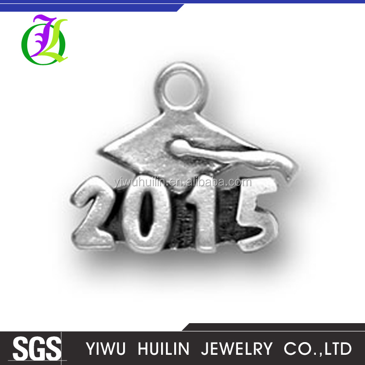 CN185438 Yiwu Huilin Square Jewelry Accessories Making Antique Silver Tone Doctorial Hat with 2015 School Anniversary Gift Charm