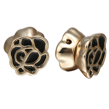 Hot Fashion Flower Vintage Magnetic Earring Copper Assorted Statement Stud Earrings For Women Classic Gold Jewelry