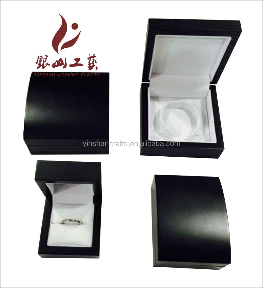 Luxury high quality shinning wood mdf material polished varnish lock pu leather customed wooden box