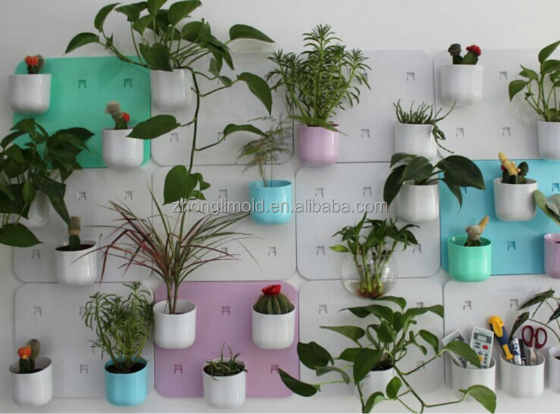 Plastic flower pot bracket with suction cup on wall buy for Blumentopf wand