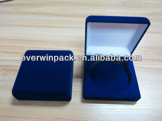 club medal box