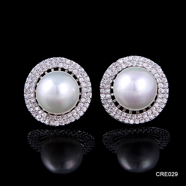 Alibaba Earring Factory Small Lot 12 Pairs Bulk Pearl Japanese Jewelry Round Shaped Earrings for Ladies