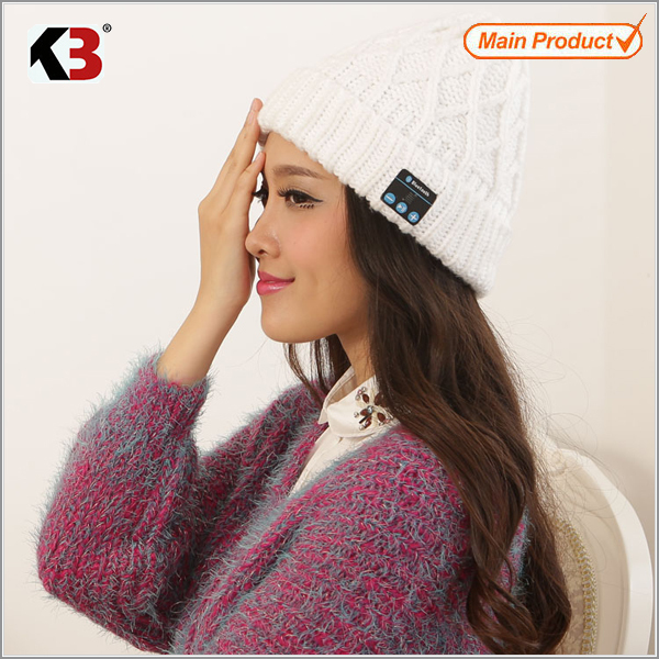 customized style Wholesale wireless Bluetooth Winter Hat winter knitted music hat 2017