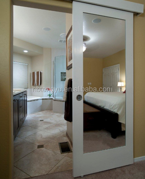 Charmant White Mirrored Barn Door Used For Bathroom And Hotel