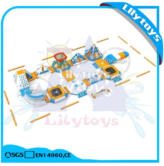 lake Inflatable Floating Water Amusement Park Equipment, Giant Inflatable Water Games