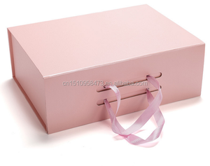 Foldable cardboard flat pack magnetic gift box with handle