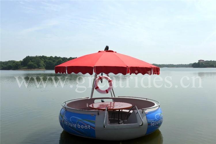 Caso di successo di acqua park rides famiglia giochi di partito FRP barbecue ciambella barca barca per il tempo libero per la vendita