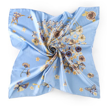 2017 New Arrival Exquisite Small Square Scarf For Ladies Twill Silk Flower Print Hand Rolled Hemming Silk Square Scarf