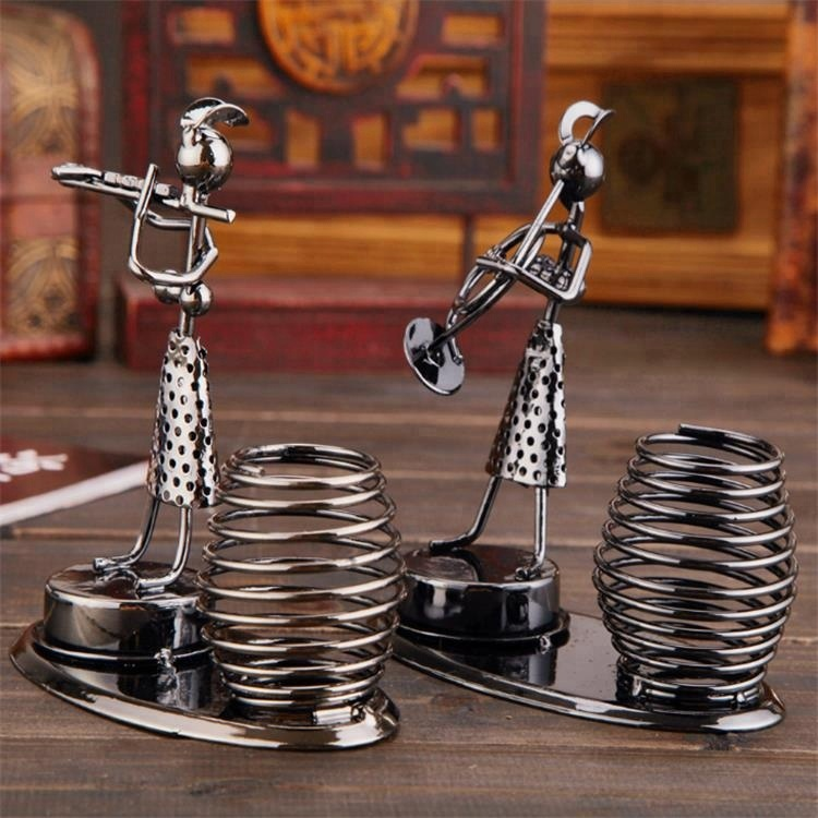 Desktop Decoratieve Metalen Ijzeren Band Pen Houder/Metalen ambachten, Saxofoon band Iron Man pen houder