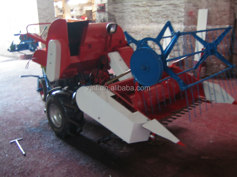 4LZ-0.5 1.1 Meter cut width mini rice and wheat combine harvester with threshing