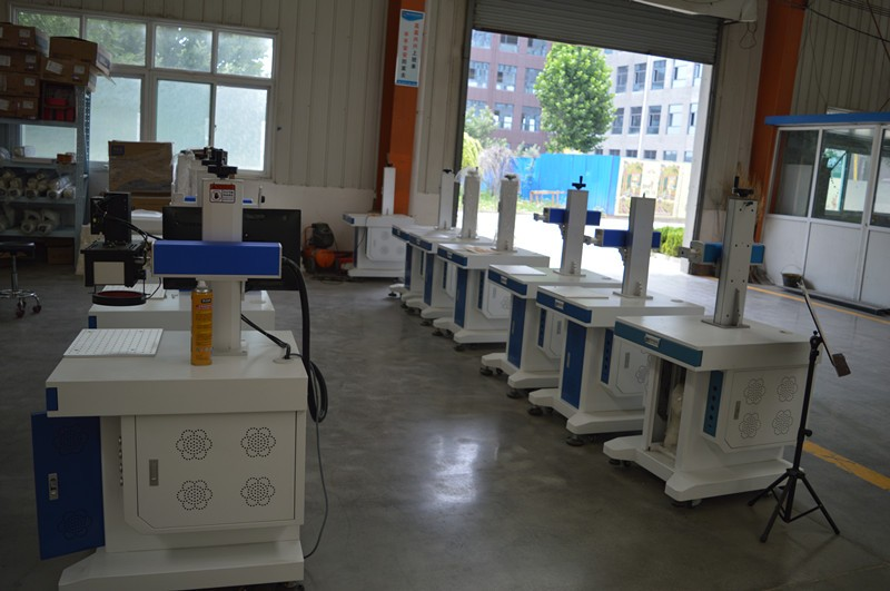 Stainless steel copper Metal fiber laser marking machine 20W 30W 50W for sell