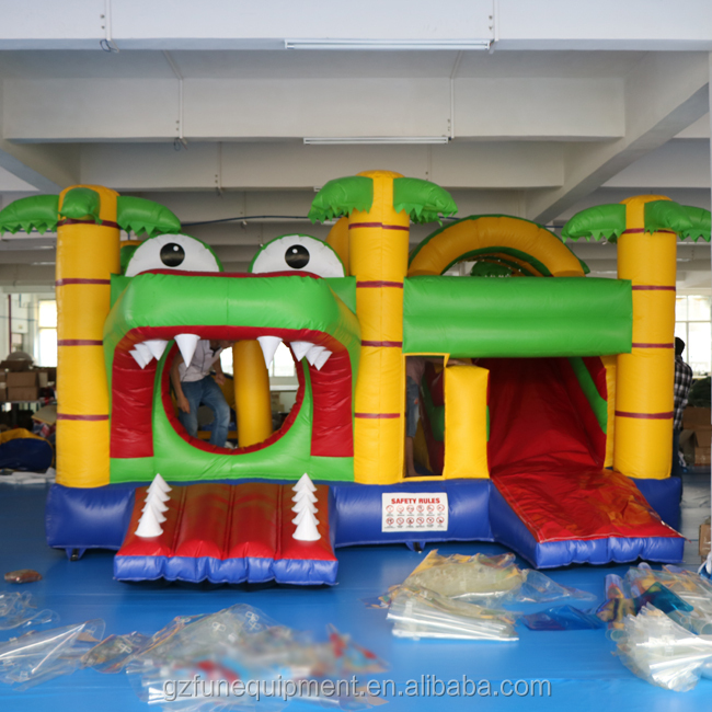 New Design 0.55mmPVC Jungle Safari Inflatable Bouncy Castle With Slide